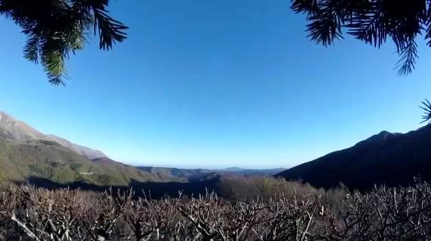 Das Video soll bei Visso während des Erdbebens am Sonntag entstanden sein.