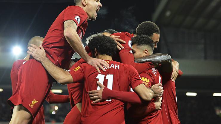 Die Liverpooler freuen sich über das 3:0 von Sadio Mané