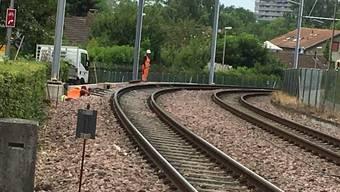 Das gerissene Gleis musste am gleichen Morgen noch ausgewechselt werden.