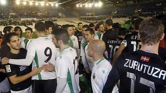 Ausser Handshakes mit den Gegnern passierte in Santander nichts.
