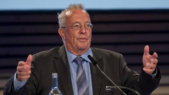 Verlegerpräsident Hanspeter Lebrument ruft die SRG zu Zurückhaltung im Internet auf