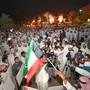 In Kuwait protestieren am Mittwochabend zahlreiche Menschen gegen Korruption.