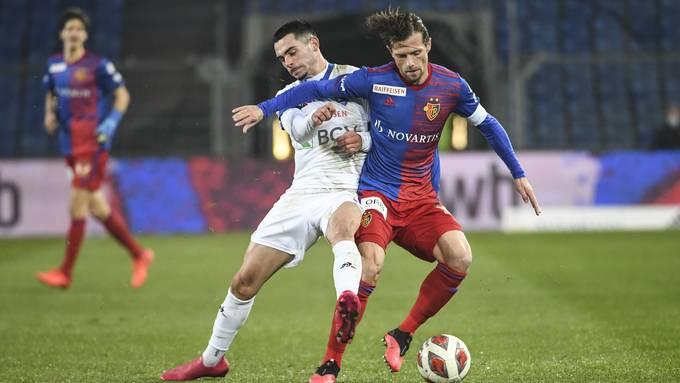 Captain Valentin Stocker steht mit seinem Tor zum 1:0 am Ursprung des dritten Basler Liga-Sieges.