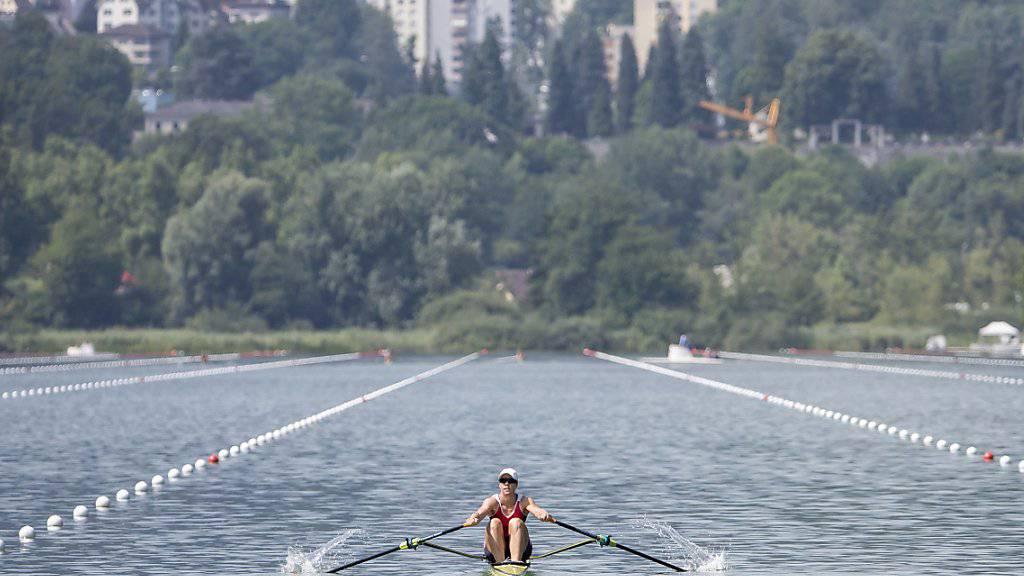 Jeannine Gmelin rudert auf dem Rotsee
