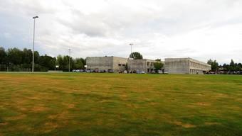 Die Abschlussklasse kann von der neuen Turnhalle nicht mehr profitieren. Die Verantwortlichen hoffen aber, dass die neue Halle im Schuljahr 2021 in Betrieb genommen werden könnte.