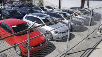 Ab Montag gilt in der Schweiz ein Zulassungsverbot für Autos mit manipulierten Dieselmotoren aus dem VW-Konzern.