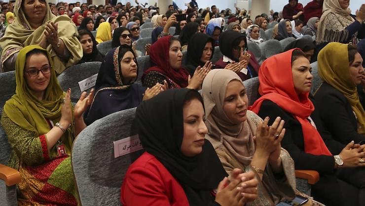 3200 Delegierte nahmen an der Grosse Ratsversammlung teil. Sie fordern, dass ein dauerhafter Frieden durch Verhandlungen zwischen der Regierung und den Taliban erreicht werde.