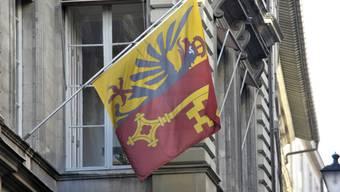 Beim Genfer Amt für Bevölkerung und Migration kam es am Donnerstag wegen Verdachts auf Korruption zu einer Hausdurchsuchung sowie mehreren Festnahmen. (Symbolbild)