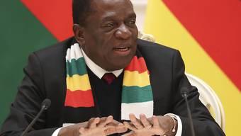 Simbabwes Präsident Mnangagwa lässt sich am Weltwirtschaftsforum in Davos von Finanzminister Mthuli Ncube vertreten. (Archivbild)