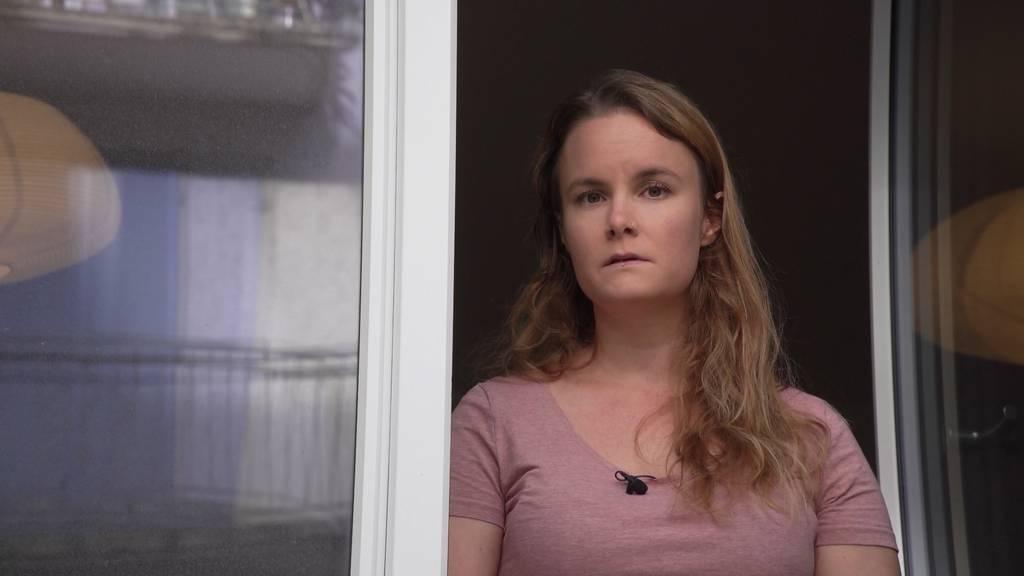 Warten auf die Behörden: Zürcherin berichtet vom Quarantänen-Frust