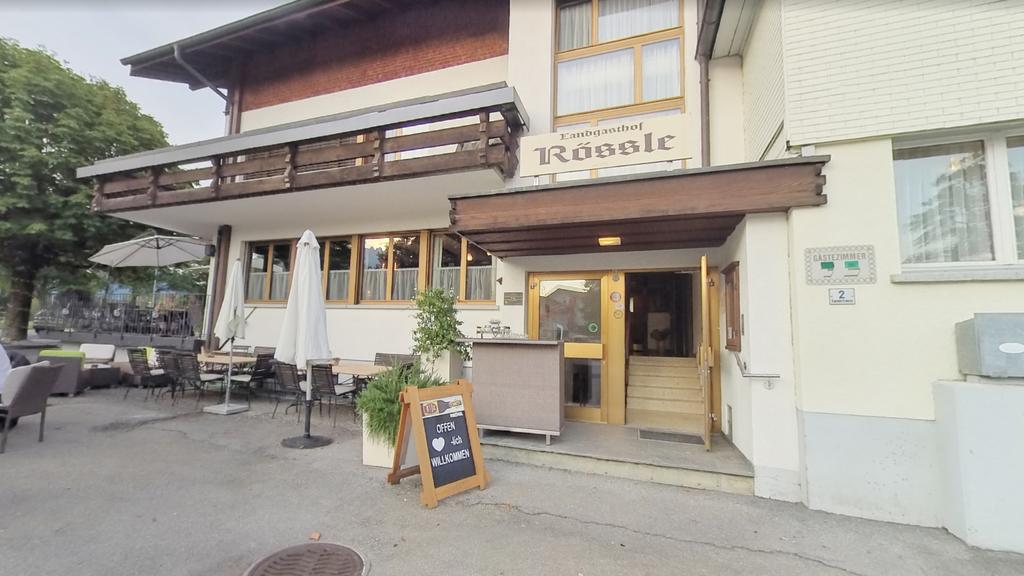 Restaurant bewirtet trotz angeordneter Schliessung weiter Gäste