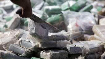 Beschlagnahmte Drogen: Auch Drogenhandel lähmt Friedensprozesse