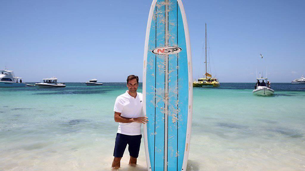Sommer in Australien: Roger Federer macht vor dem Saison-Auftakt in Perth einen Abstecher an den Strand