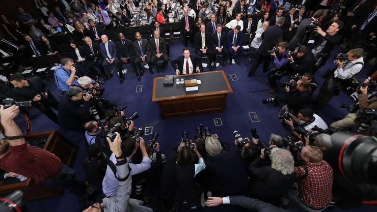 Ex-FBI-Chef James Comey sagt vor dem Geheimdienstausschuss des Senats aus.