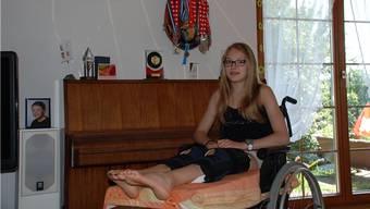 Kunstturnerin Mireja Gloor muss die Sommerferien im Rollstuhl verbringen.