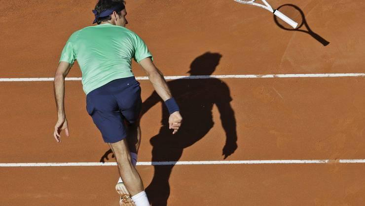 Hier verliert Federer sein Racket
