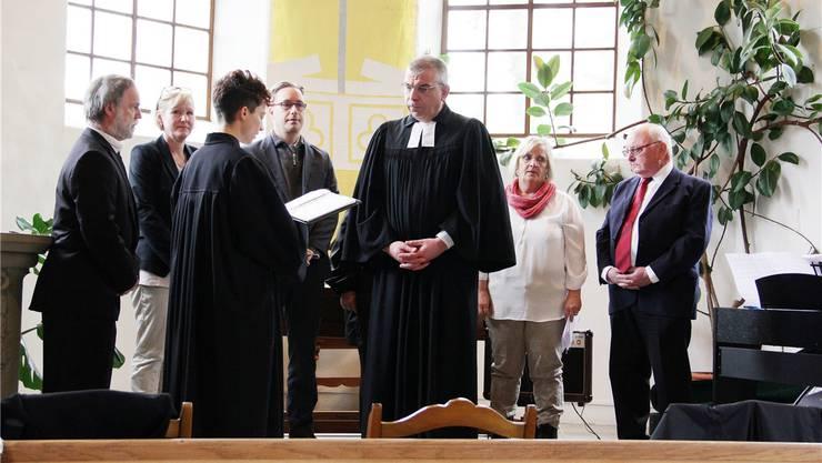 Einsetzung von Pfarrer Lo Sardo durch Vize-Dekanin Dobler. Sonja Furter