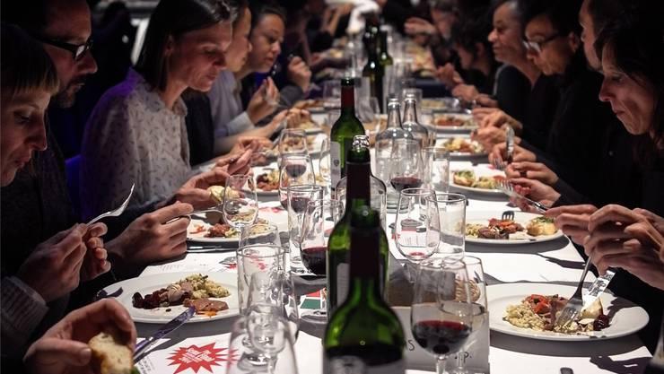 Edel dinieren und gleichzeitig ein Gastronomieprojekt in Ecuador unterstützen: Das Kitchen Battle macht Halt in Basel.
