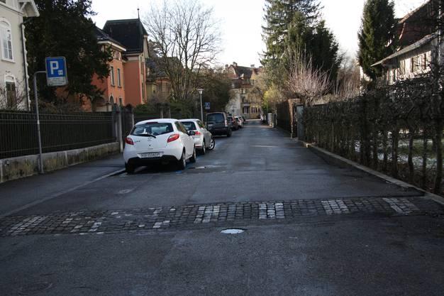 Auch die Loretostrasse ist schon mit Schwellen entschärft