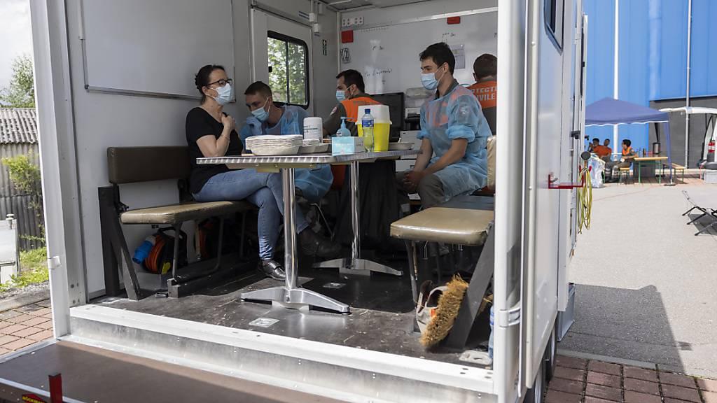 Schnelle und spontane Impfung: Ein Impftruck auf dem Parkplatz eines Geschäfts in Yverdon-les-Bains VD.
