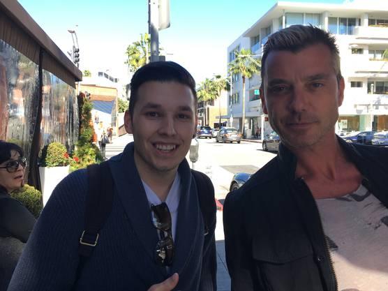 In L.A. traf er Gavin Rossdale; britischer Musiker, Schauspieler, Frontman der Band Bush und Ex von Gwen Stefani.