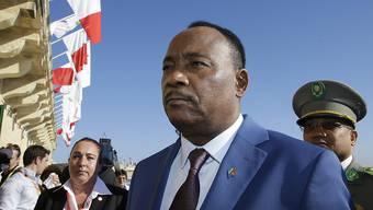 Der Präsident Nigers, Mahamadou Issoufou, informierte am Donnerstag über einen vereitelten Putsch in seinem Land. (Archivbild)