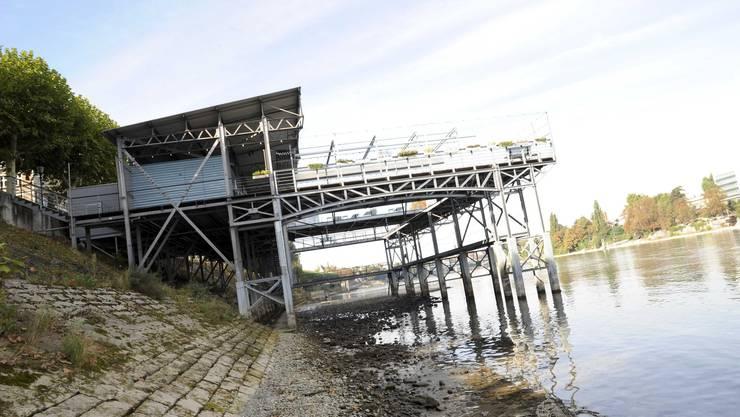 Montag den Frauen, Donnerstag den Männern - wenn die Sauna denn mal gebaut ist: Rheinbadehaus Breite.