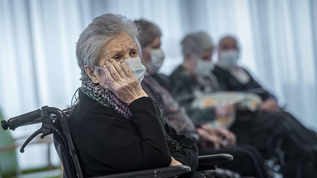 Tessin verhängt Besuchsverbot in Altersheimen und Spitälern