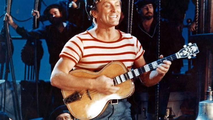 Kirk Douglas in «20'000 Meilen unter dem Meer» von 1954, die Filmadaption des gleichnamigen Buches von Jules Verne. Erstmals spielten bekannte Hollywood-Schazuspieler in einem Disney-Film mit.