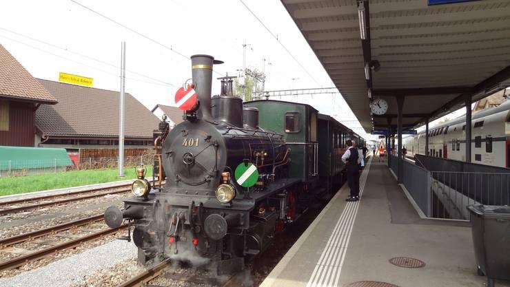 Von Hinwil nach Bauma mit dem weit über 100 Jahre alten Zug des Dampfbahn-Vereins Zürcher Oberland