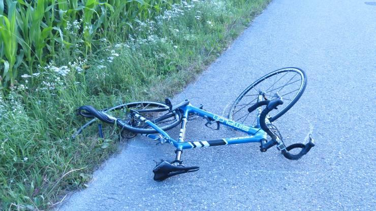 Rheinfelden: Rennradfahrerin kommt wegen Audi-Fahrer zu Fall und wird mittelschwer verletzt
