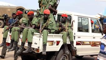 Nach internationalem Druck riefen die Führer der beiden Konfliktparteien zu einer Waffenruhe auf. Am Dienstag hielt diese vorerst.