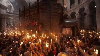Tausende feiern Fest des Heiligen Feuers in Jerusalems Grabeskirche