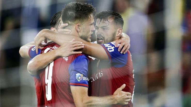 Ricky van Wolfswinkel und Albian Ajeti feiern das 2:1 gegen PSV von der Vorwoche.