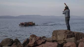 Die griechische Regierung will Flüchtlingsboote in Zukunft schon auf dem Meer stoppen. (Bild: Keystone)