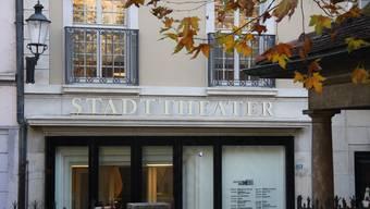 Das Stadttheater nach der Sanierung aus dem Ei gepellt...