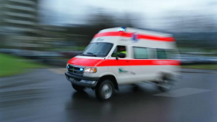 Das Mädchen wurde mit einer Beinverletzung ins Spital gebracht (Symbolbild)