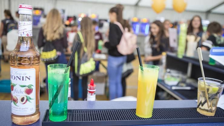 Erfrischung geht auch ohne Rausch: Die «Blue Cocktail Bar» animiert zu alkoholfreier Kreativität.