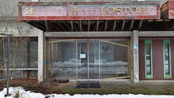 Das ehemalige Thermalbad mit Hoteltrakt wird dem Zerfall überlassen.