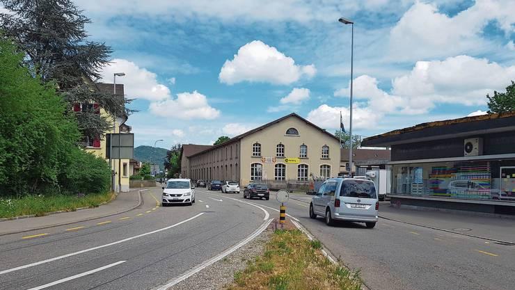 Die Rohrerstrasse vom Kreuzplatz aus gesehen.