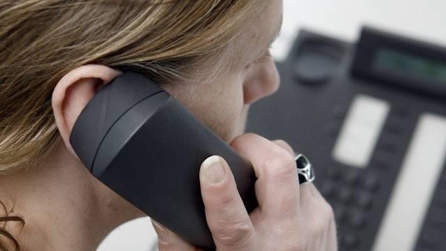 Krankenkassen dürfen künftig nicht mehr per Telefon nach Neukunden werben (Symbolbild)