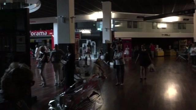 Stromausfall im Shoppi Tivoli