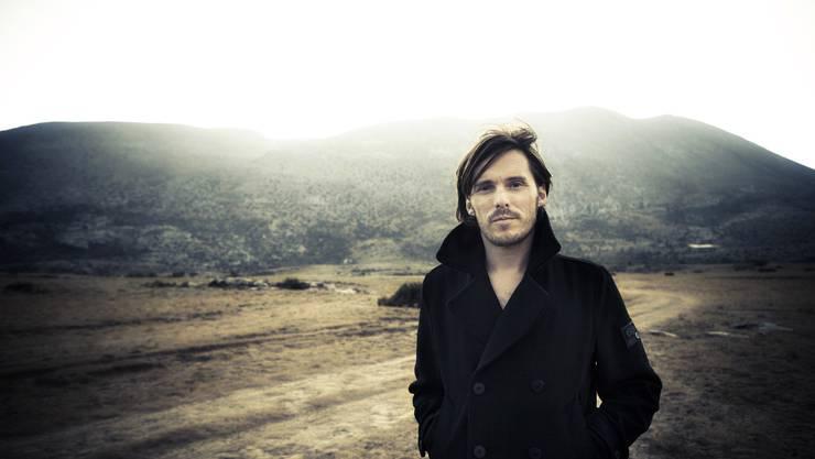 Lovebugs-Sänger Adrian Sieber zeigt sich im neuen Album «Life Is Today» melancholisch. Rockig bleibts aber trotzdem.