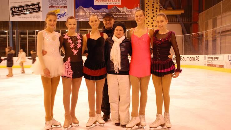 Anne-Sophie Meier, Bianca Salzmann, Ranja Weisskopf, Markus Merz (Trainer), Cristiana Fiacco (Trainerin), Brenda Weisskopf und Selina Hirt