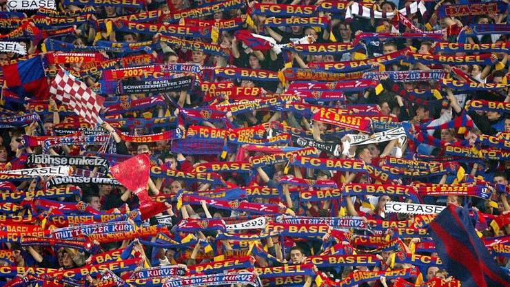 FC Basel Fankurve (Symbolbild)