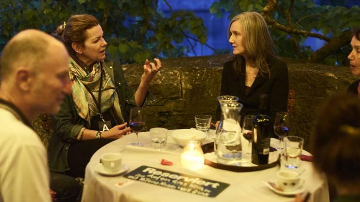 Auf ein Glas Wein mit Milena Moser und Nell Zink.