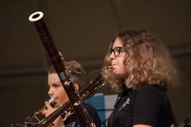Fagottistin des Sieger-Ensembles 2 ; Jugendmusik Konkordat Eheringen B-Band