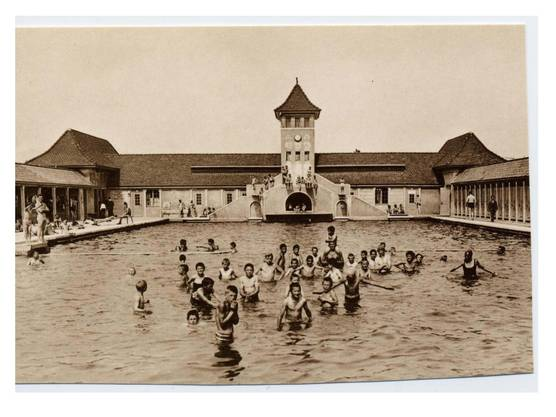 So sah nach 1930 das neue Männerbad aus