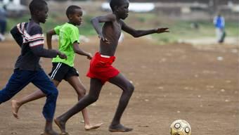 Fussball ist überall zuhause. Woher stammen aber die EM-Teilnehmer. (Symbolbild)