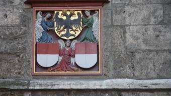 In diesem Wappen findet sich ein Adler: Das war Teil des Wettbewerbs.